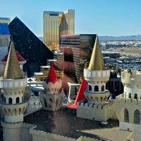 รูปภาพถ่ายที่ Excalibur Hotel & Casino โดย Hackair เมื่อ 2/11/2013