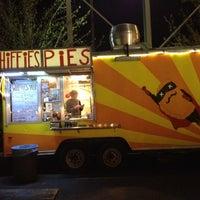 Photo prise au Whiffies Fried Pies par Shaley F. le4/14/2013