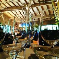 Foto tirada no(a) Girard Winery Tasting Room por Lisa F. em 4/10/2013