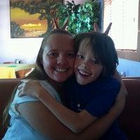 Photo prise au Los Equipales Restaurant par Stirling M. le10/4/2012