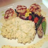 9/21/2012 tarihinde Jeff K.ziyaretçi tarafından Second Floor Regionally Inspired Kitchen'de çekilen fotoğraf