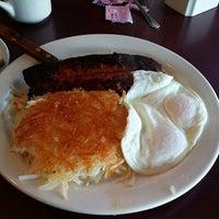 Das Foto wurde bei Hank's Creekside Restaurant von Jason P. am 3/1/2014 aufgenommen