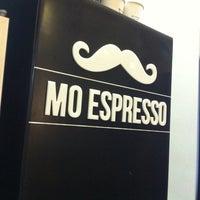 11/15/2013 tarihinde Christopher J.ziyaretçi tarafından Mo Espresso'de çekilen fotoğraf