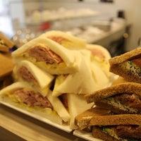 4/27/2014에 Valeria B.님이 Tramé - Original Venetian Sandwiches에서 찍은 사진
