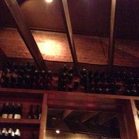 Foto tomada en Pomegranate on Main por Barry P. el 10/5/2012