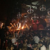 12/1/2012 tarihinde AMET Ç.ziyaretçi tarafından Club Bedroom Exclusive'de çekilen fotoğraf