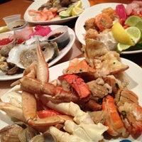 Das Foto wurde bei Village Seafood Buffet von Binny N. am 11/9/2012 aufgenommen