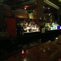 รูปภาพถ่ายที่ Wonder Bar โดย Laura S. เมื่อ 2/6/2013