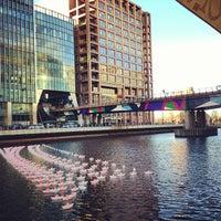 12/17/2012 tarihinde Alex M.ziyaretçi tarafından Canary Wharf'de çekilen fotoğraf