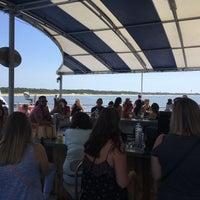 รูปภาพถ่ายที่ on the ferry โดย John M. เมื่อ 8/24/2018