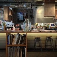5/8/2013 tarihinde Leon R.ziyaretçi tarafından Lantana Cafe'de çekilen fotoğraf