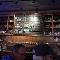 Photo prise au The Beer Temple Taproom par Eric N. le9/16/2018