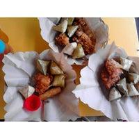 Photo prise au Chicken Tagala par Karen S. le10/1/2014