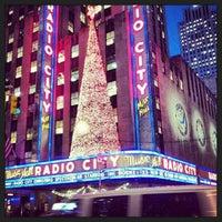 Das Foto wurde bei Radio City Music Hall von Fabian L. am 11/20/2013 aufgenommen