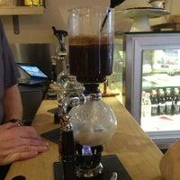 Foto scattata a drip coffee   ist da Melike Ç. il 3/31/2013