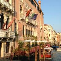 7/15/2013에 Carlo V.님이 Ca' Sagredo Hotel Venice에서 찍은 사진