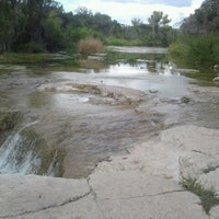 Foto tirada no(a) Bull Creek Greenbelt por Marcy M. em 10/22/2012