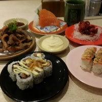 Photo prise au Sushi Tei par Adrian F. le10/13/2013