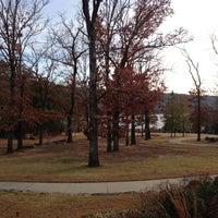 Das Foto wurde bei Lake Fort Smith State Park von Aziz S. am 11/24/2012 aufgenommen