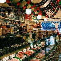 Foto tomada en Faicco's Italian Specialties por Mike S. el 12/15/2014