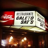 Das Foto wurde bei Galeto Sat's von Daniel S. am 10/7/2012 aufgenommen