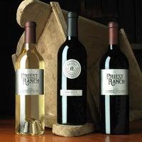 Das Foto wurde bei Priest Ranch Wines von Priest Ranch Wines am 4/29/2014 aufgenommen