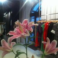 รูปภาพถ่ายที่ ANNA LED shop/studio โดย Dagnija เมื่อ 8/22/2013