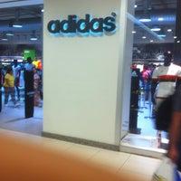 acfb3e14f ... Foto tirada no(a) Adidas Outlet por Douglas C. em 4 2 ...