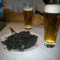 Foto tomada en Restaurante El Urogallo por Maria Isabel D. el 9/13/2012