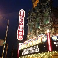 Снимок сделан в Hollywood Theatre пользователем Kristin W. 10/3/2013