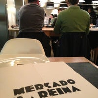 Foto diambil di Mercado de la Reina oleh MICKY R. pada 4/3/2013