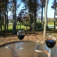 Foto diambil di Keswick Vineyards oleh Ryan K. pada 10/25/2012