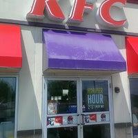 Photo prise au KFC par Freddy C. le5/8/2013
