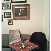 Foto tirada no(a) Lissabonbon - Vintage Café por Lissabonbon - Vintage Café em 5/3/2014