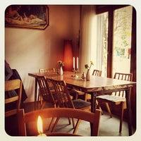Das Foto wurde bei Café KRONE von Yousef H. am 11/2/2012 aufgenommen