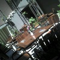 Photo prise au Flor de Mayo Hotel & Restaurant par Julian Javier C. le2/11/2013