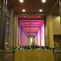 Foto scattata a Benaroya Hall da Mary P. il 12/16/2012