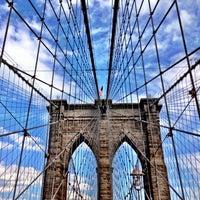 Das Foto wurde bei Brooklyn Bridge von Sarena B. am 7/27/2013 aufgenommen
