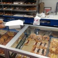 8/18/2013에 Alaric H.님이 Leske's Bakery에서 찍은 사진