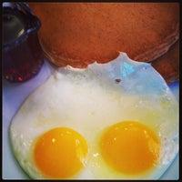 Das Foto wurde bei Hank's Creekside Restaurant von Brian H. am 4/17/2013 aufgenommen