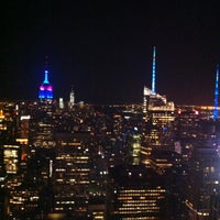 Foto diambil di Top of the Rock Observation Deck oleh DANIEL R. pada 5/11/2013