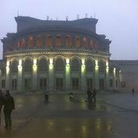 Снимок сделан в Армянский театр оперы и балета им. Спендиарова пользователем Armen S. 2/7/2013