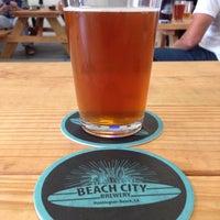 5/13/2014 tarihinde Alex B.ziyaretçi tarafından Beach City Brewery'de çekilen fotoğraf