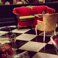 Foto diambil di The Lady Silvia Lounge oleh Christi T. pada 9/28/2013
