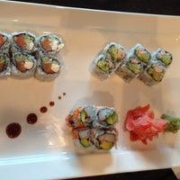 Photo prise au Akira Sushi Bistro par B. S. le6/8/2013