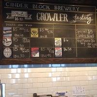 Foto tomada en Cinder Block Brewery por Trey G. el 4/23/2015