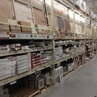 Das Foto wurde bei The Home Depot von Biggz am 2/26/2012 aufgenommen