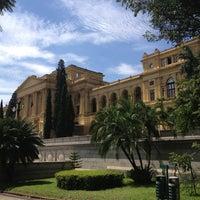 รูปภาพถ่ายที่ Museu Paulista โดย Jader C. เมื่อ 2/16/2013