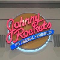 Foto tirada no(a) Johnny Rockets por Kleber S. em 6/15/2014