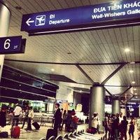 Photo prise au Tan Son Nhat International Airport par Ken N. le6/19/2013